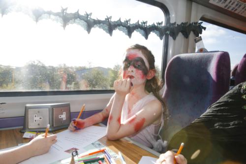 Spooky Train iq-0008