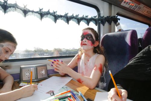 Spooky Train iq-0011