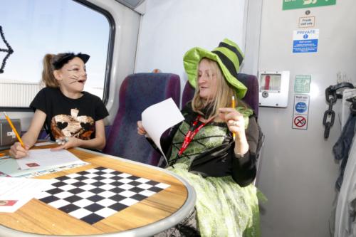 Spooky Train iq-0034