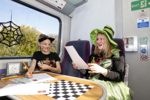 Spooky Train iq-0038