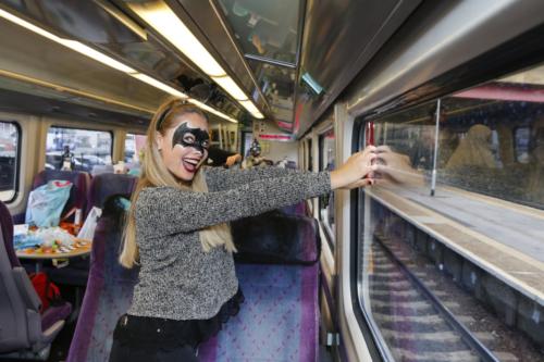 Spooky Train iq-9702