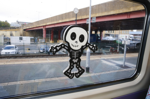 Spooky Train iq-9707