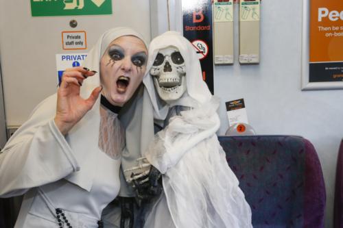 Spooky Train iq-9716