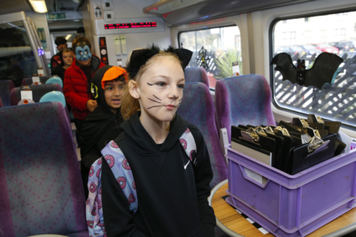 Spooky Train iq-9816