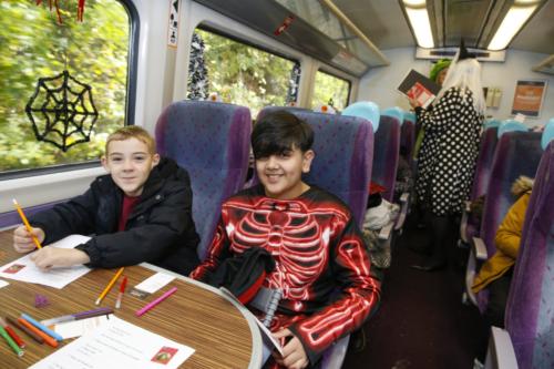 Spooky Train iq-9886