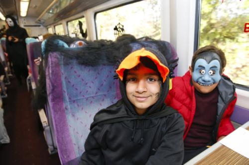 Spooky Train iq-9890