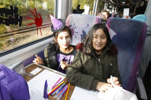 Spooky Train iq-9896