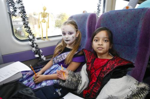 Spooky Train iq-9902