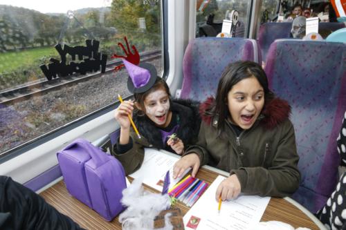 Spooky Train iq-9918