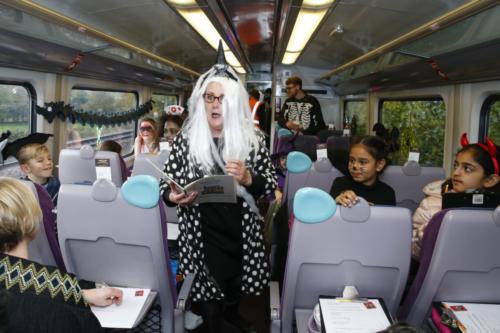 Spooky Train iq-9928