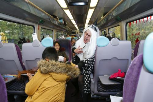 Spooky Train iq-9946