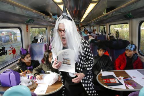 Spooky Train iq-9963