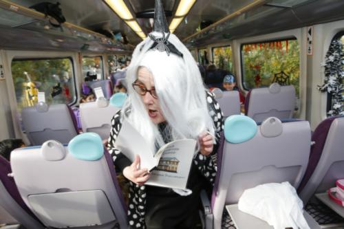 Spooky Train iq-9966