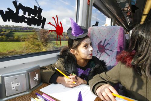 Spooky Train iq-9977